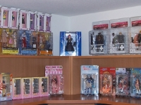 figures-on-display-02