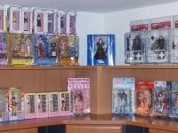 figures-on-display-04